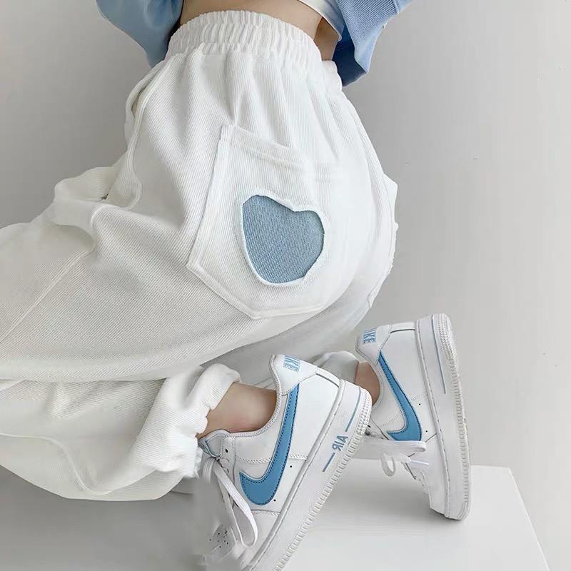 Quần jogger tim KA Closet có 2 màu Đen Trắng chất umi đanh mịn không xù dầy, tim đẹp, chun ống from rộng