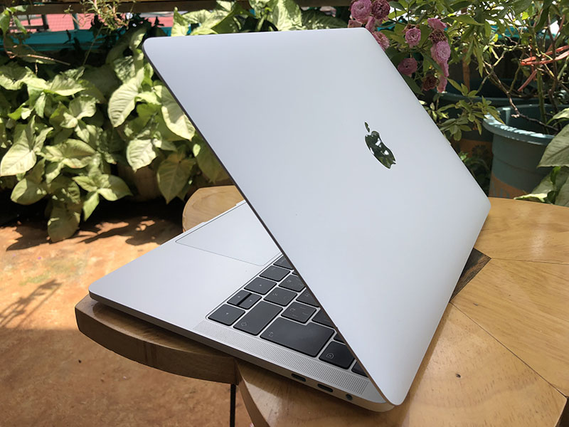 Bảng giá Macbook Pro 13 2018, macbook cũ uy tín Phong Vũ